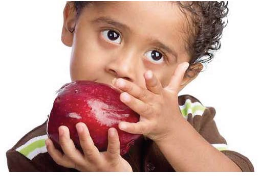 apple eating kid